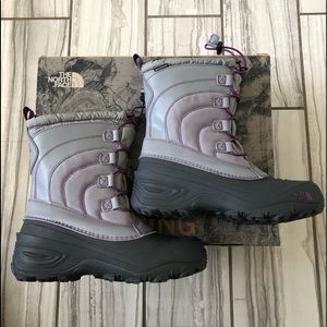 NWT The North Face rain/snow waterproof boots.